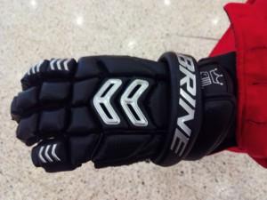 Guante Lacrosse, gran movilidad y durabilidad.